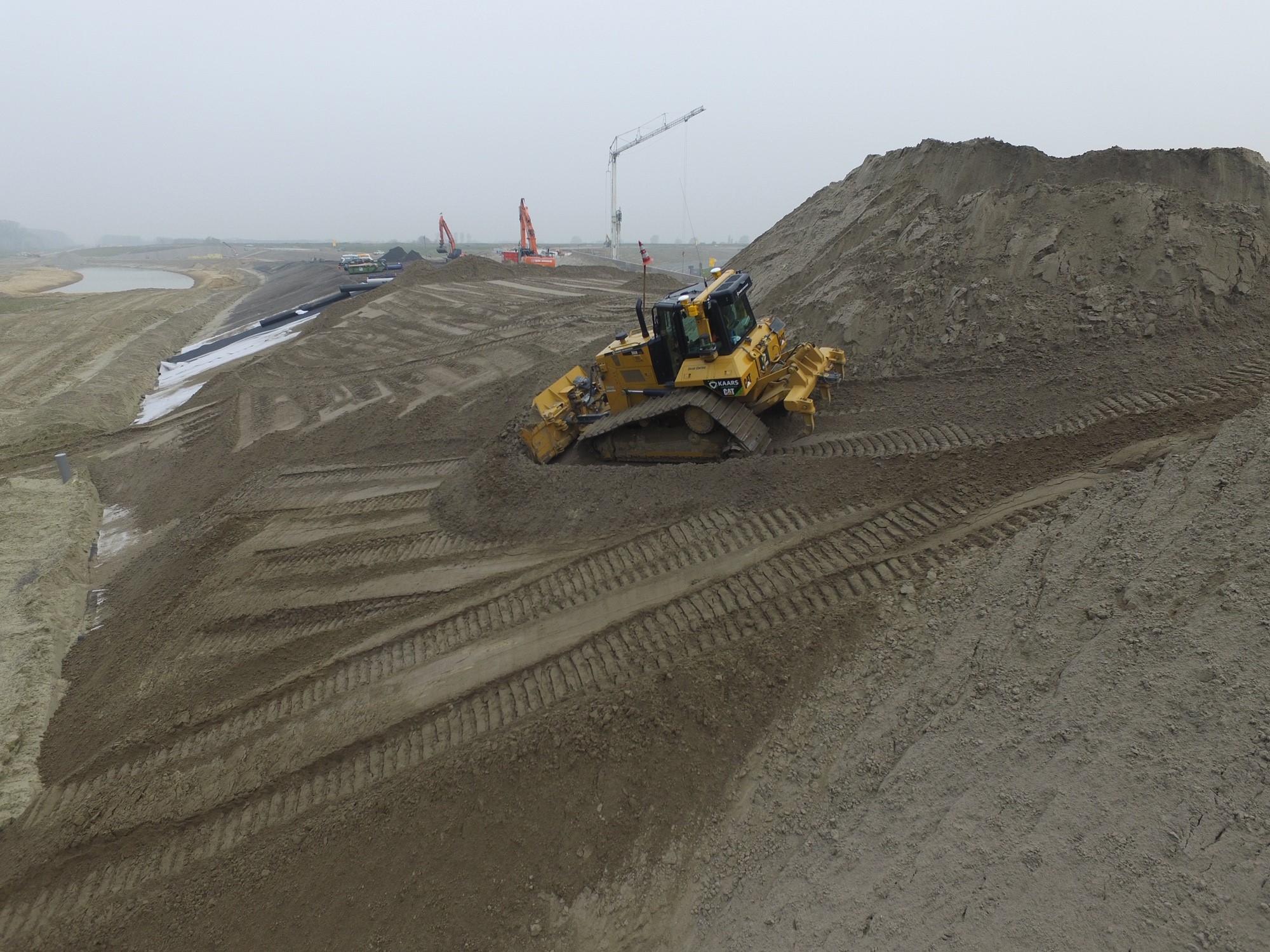 Knooppunt Sloeweg: de bulldozer op de bouwplaats