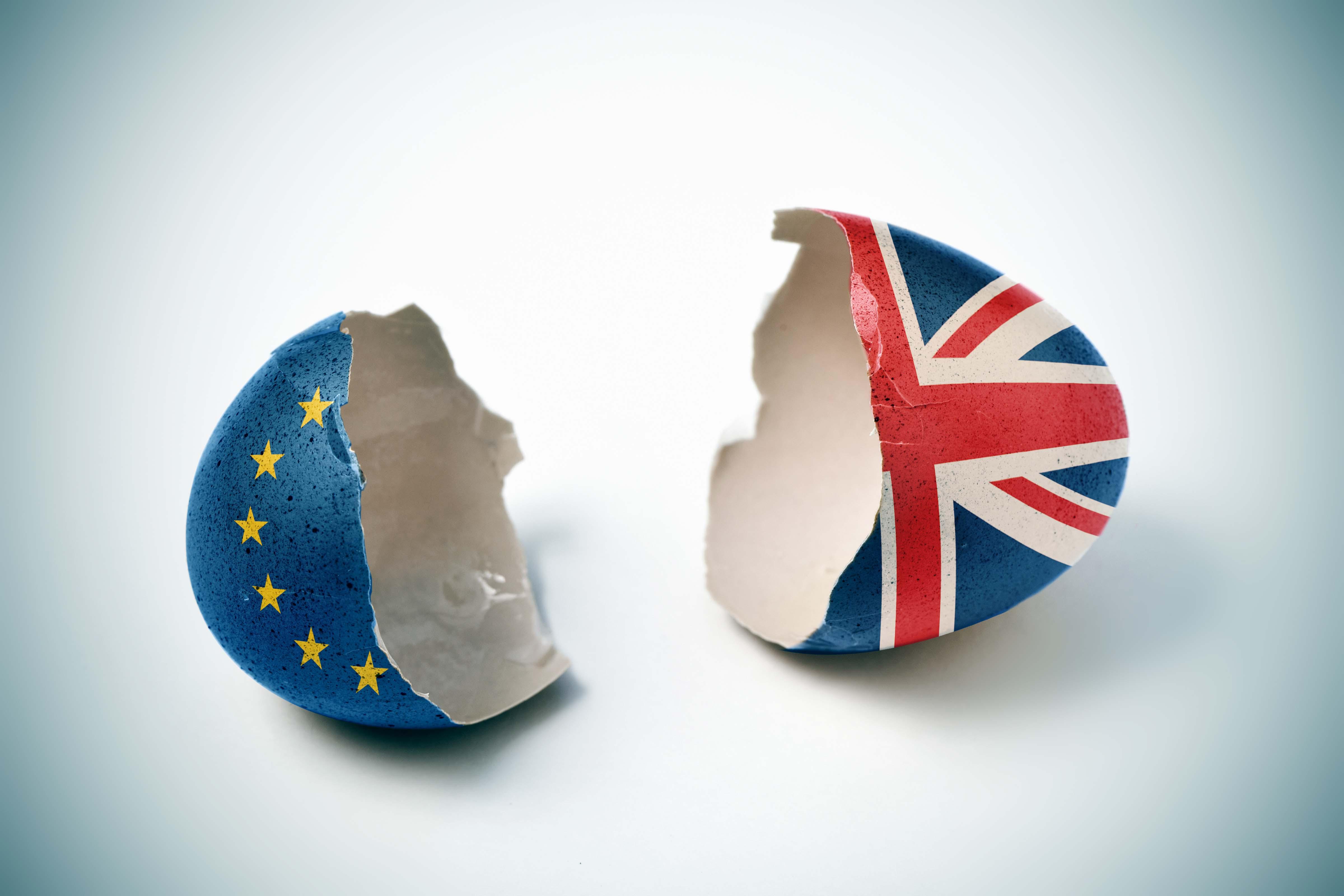 Gebroken eierschalen Europese Unie en Groot-Brittanië