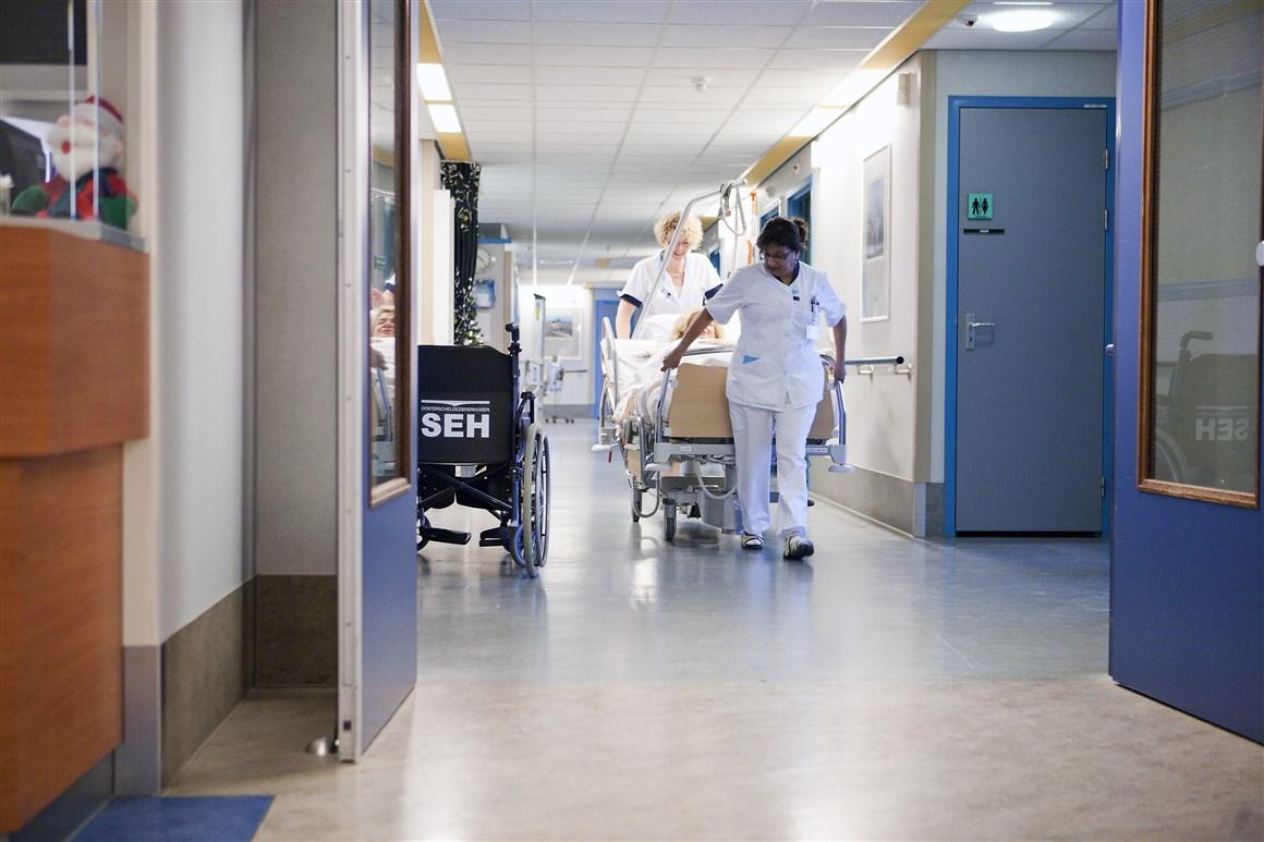 medewerkers in ziekenhuis
